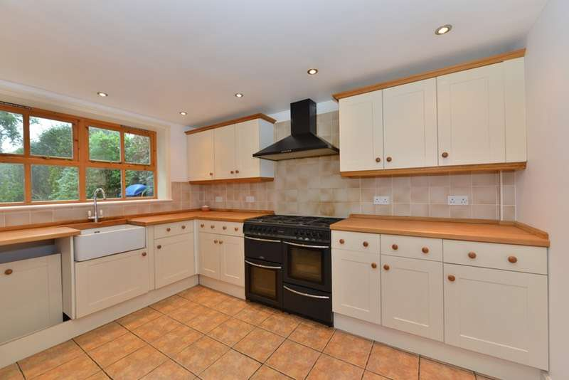 2 Bedrooms Semi Detached House for sale in Church Road, Ryde, Isle of Wight, PO33