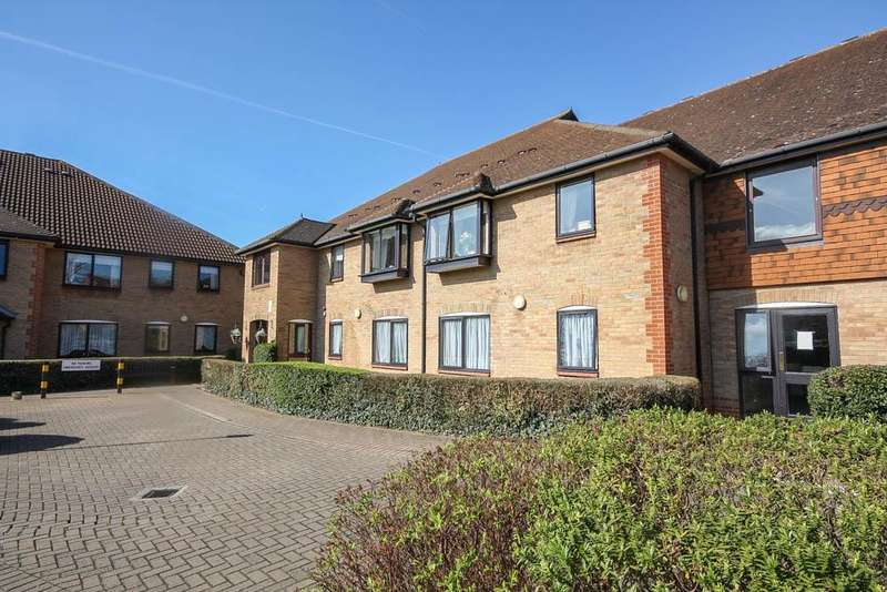 1 Bedroom Retirement Property for sale in Park Lodge, Queens Park Avenue, Billericay CM12