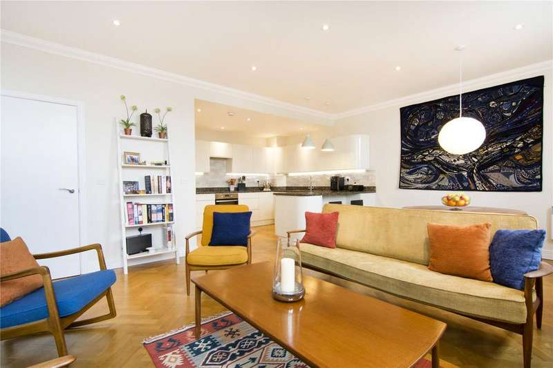 2 Bedrooms Flat for sale in The Quadrangle House, 84 Romford Road, London, E15