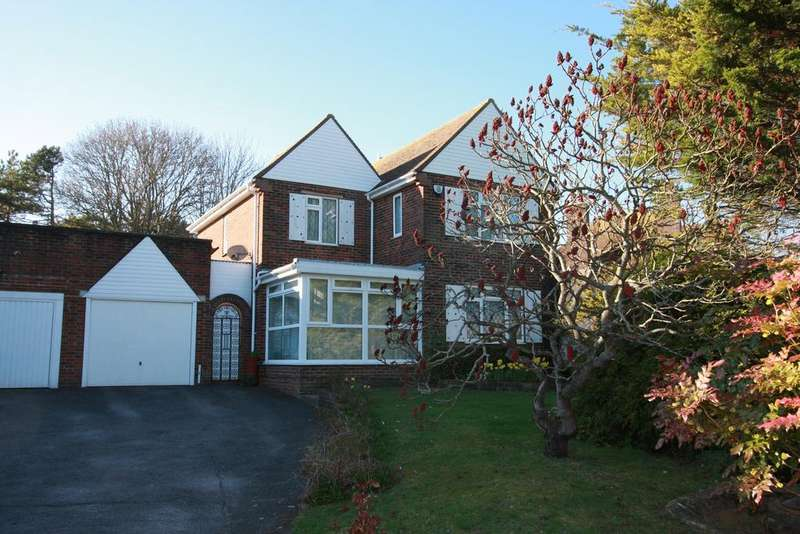 3 Bedrooms Detached House for sale in Kings Drive, Eastbourne BN21