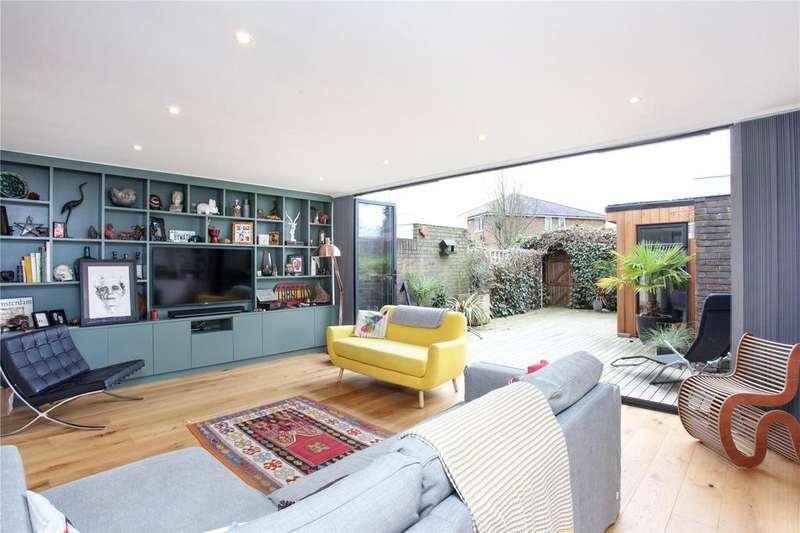 3 Bedrooms Terraced House for sale in Edinburgh Gardens, Windsor, Berkshire, SL4