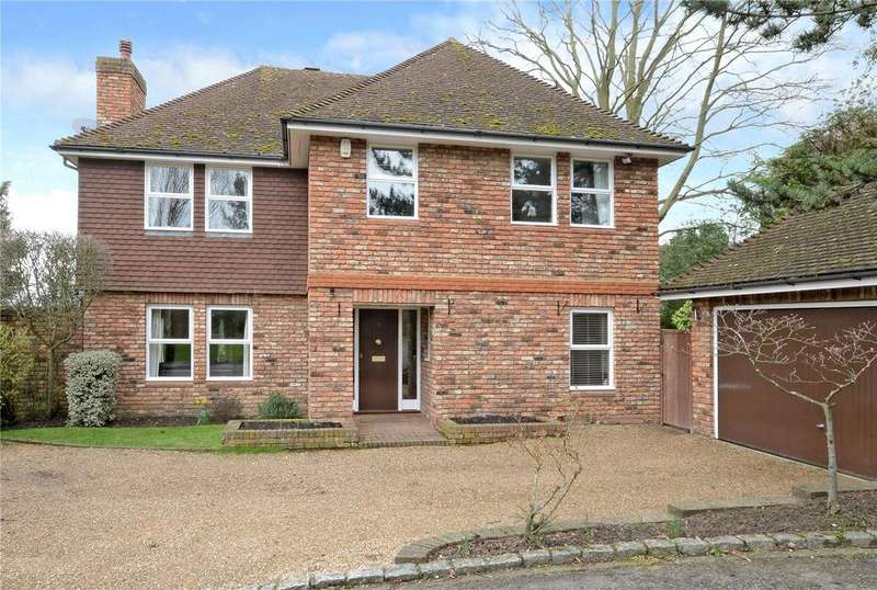 5 Bedrooms Detached House for sale in Lodge Close, Howell Hill Grove, Ewell, KT17