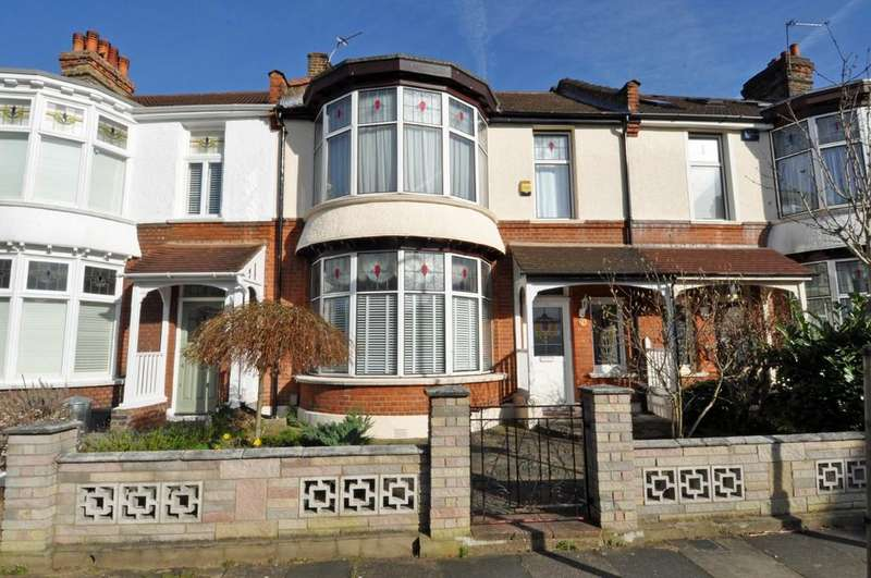 3 Bedrooms Terraced House for sale in Margaretting Road, Aldersbrook