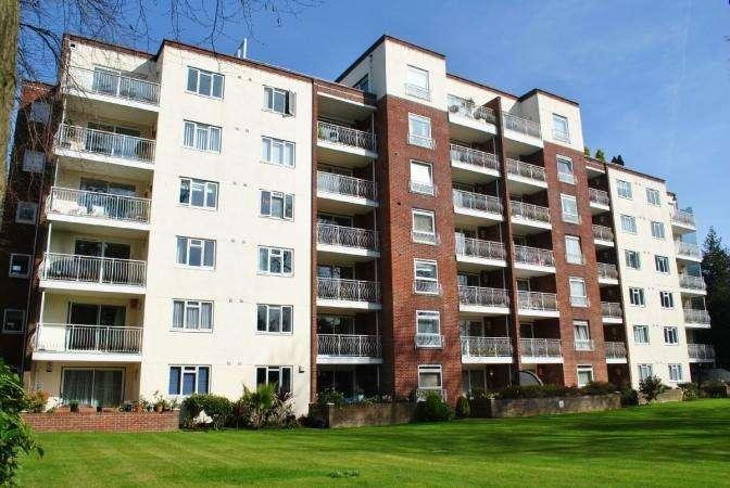 2 Bedrooms Flat for sale in Lindsay Road, Branksome Park