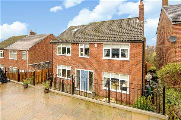 4 Bedrooms Detached House for sale in Blakelow Road, Macclesfield