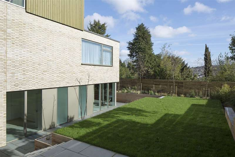 5 Bedrooms Detached House for sale in Withdean Road, Brighton, East Sussex, BN1
