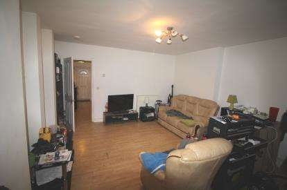 Flat for sale in Two Mile Hill Road, Kingswood, Bristol