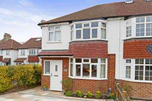 3 Bedrooms Semi Detached House for sale in Bourne Lane, Caterham, Surrey, .