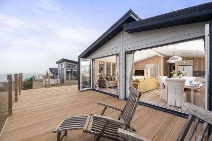 2 Bedrooms Mobile Home for sale in Shaldon, Devon