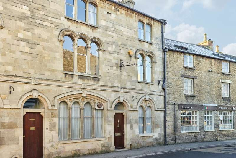 3 Bedrooms Town House for sale in Fairford