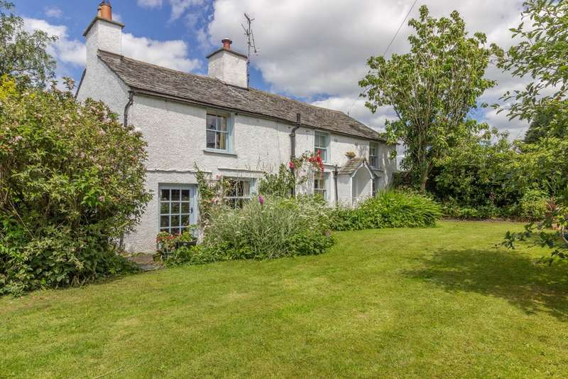 3 Bedrooms Cottage House for sale in Rose Cottage, Crosthwaite.