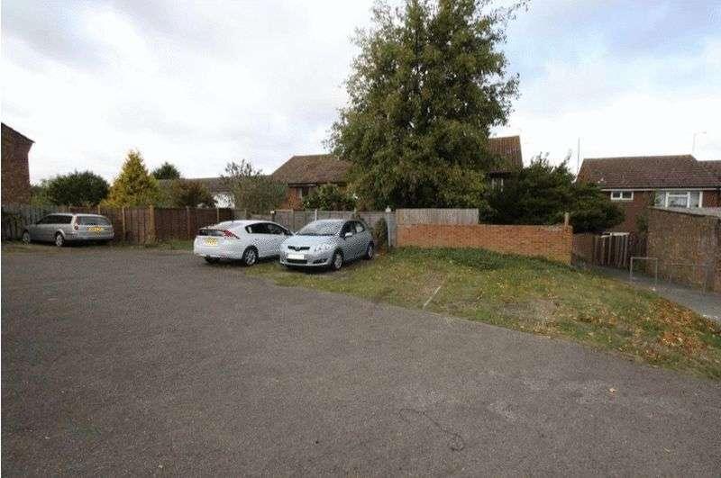 1 Bedroom Property for sale in Brambledown, Hartley, DA3 7EY