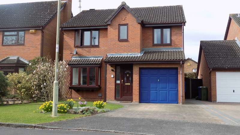4 Bedrooms Detached House for sale in The Copse, Farnborough, GU14