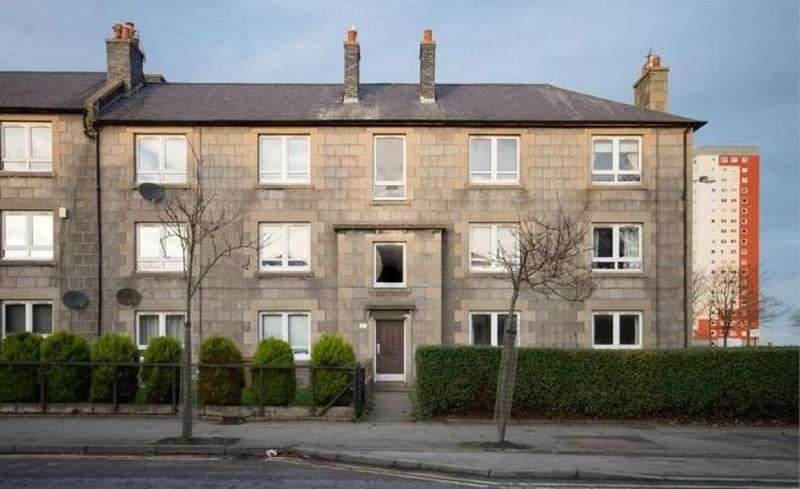 2 Bedrooms Flat for sale in School Road, AB24 1TN