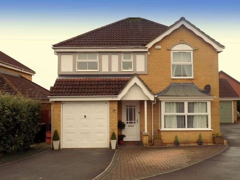 4 Bedrooms Detached House for sale in Yeats Close, St Andrews Ridge