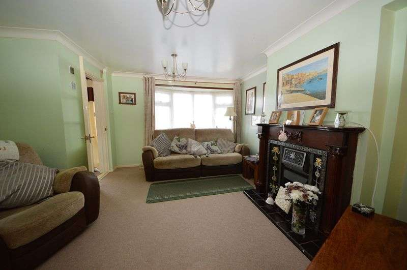 3 Bedrooms Terraced House for sale in Padnell Road, Waterlooville