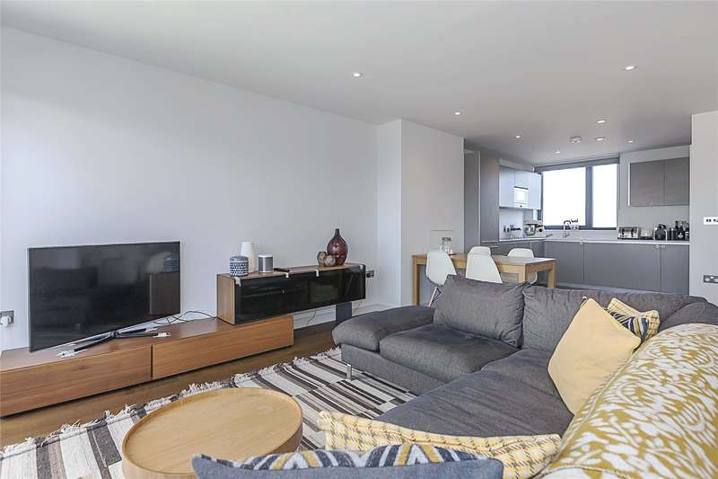 3 Bedrooms Flat for sale in Hawthorne Crescent, London, SE10