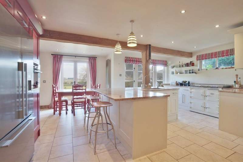 5 Bedrooms Detached House for sale in Lindsell, Dunmow
