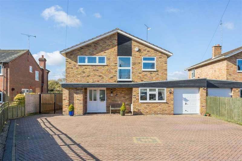 4 Bedrooms Link Detached House for sale in Straight Bit, Flackwell Heath, High Wycombe