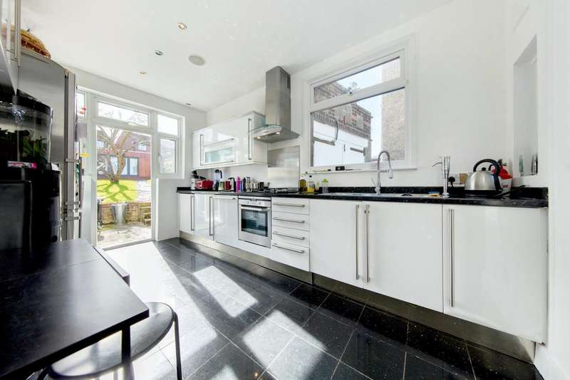 5 Bedrooms End Of Terrace House for sale in Roxburgh Road, SE27