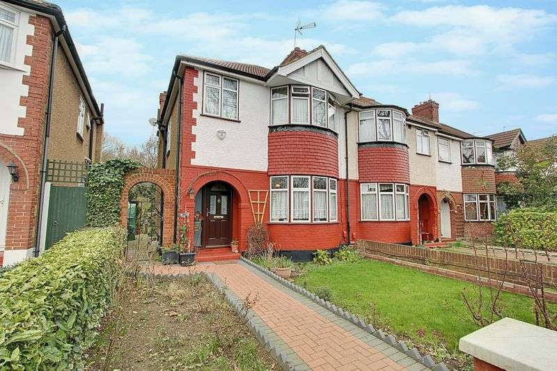 3 Bedrooms Semi Detached House for sale in Whitton Avenue West, Greenford