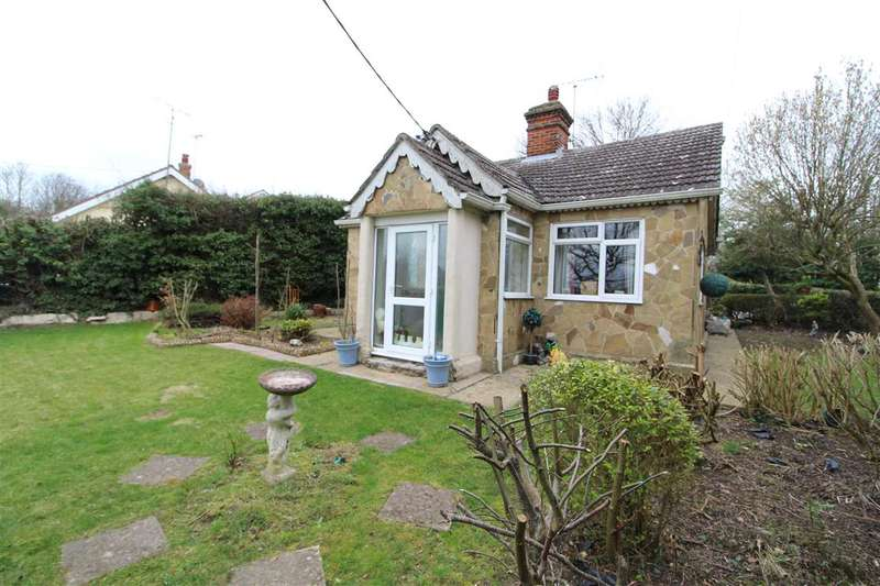 2 Bedrooms Bungalow for sale in The Birds Nest, Whitehouse Lane, West Bergholt, Colchester