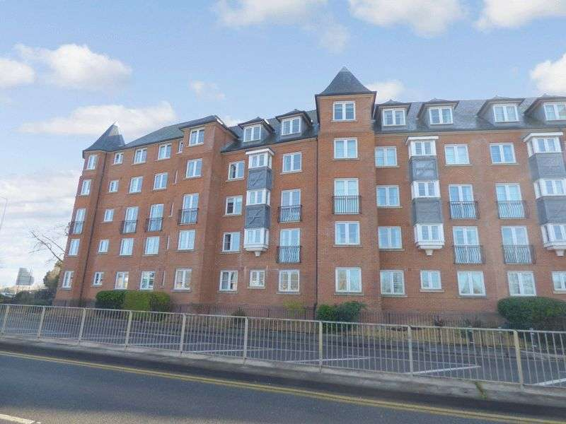 1 Bedroom Retirement Property for sale in Castlemeads Court, Gloucester, GL1 2PA