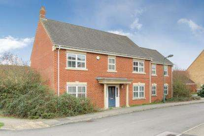 5 Bedrooms Detached House for sale in Cosway Place, Grange Farm, Milton Keynes