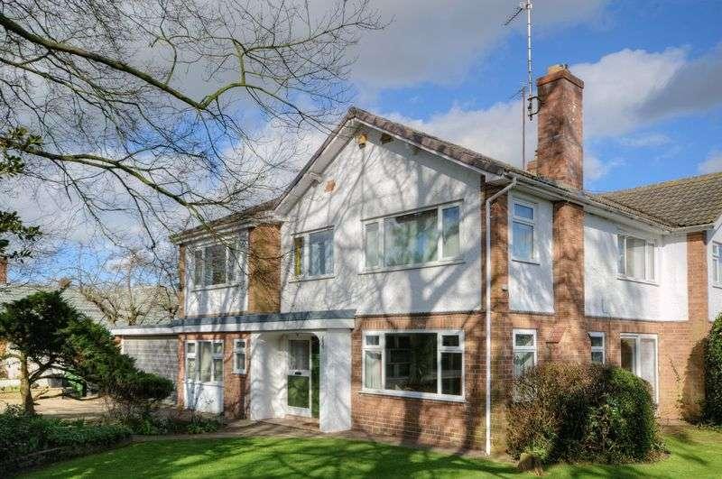 4 Bedrooms Property for sale in Dikelands Lane, Poppleton, York