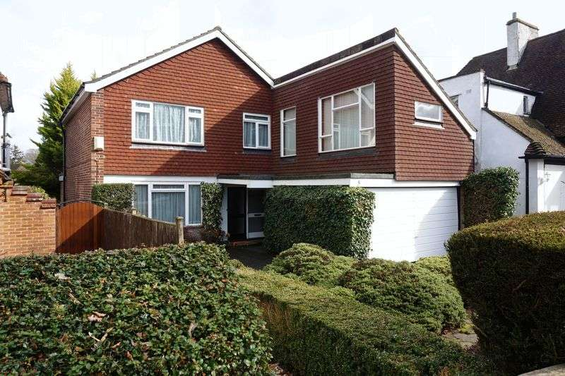 3 Bedrooms Detached House for sale in Banstead Village