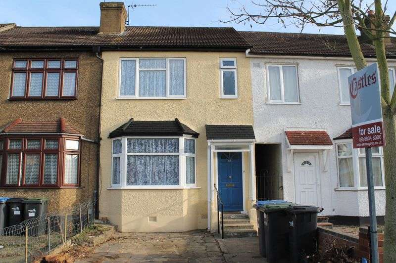3 Bedrooms Terraced House for sale in Boleyn Avenue, Enfield