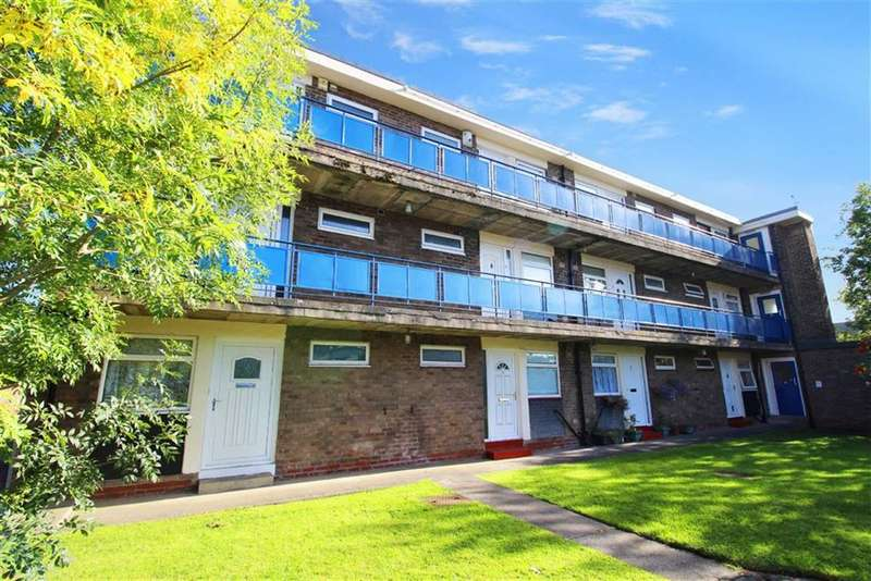 1 Bedroom Flat for sale in Belsay Gardens, Gosforth, Tyne & Wear