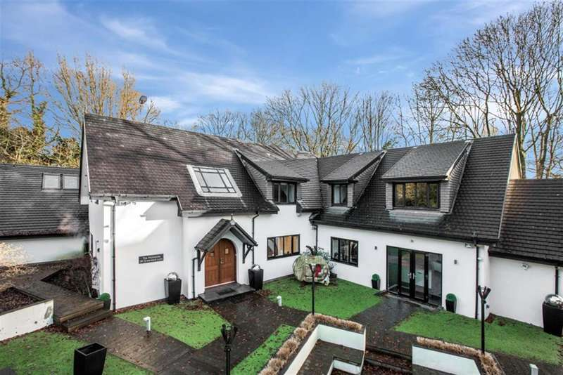 6 Bedrooms Detached House for sale in Greenleach Lane, Worsley, Manchester, M28 2RX