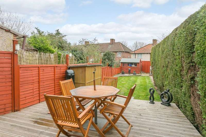 2 Bedrooms Terraced House for sale in Chester Gardens, Morden, Surrey, SM4 6QL