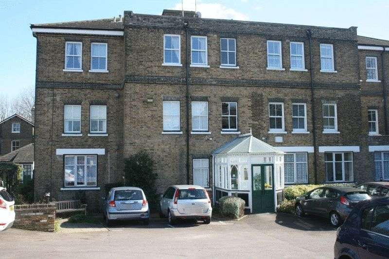 1 Bedroom Flat for sale in Cambridge Court, Southend-On-Sea