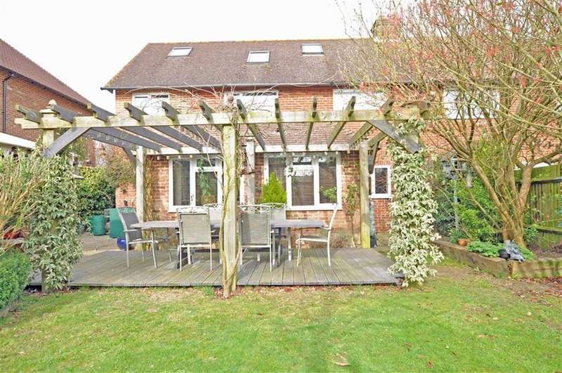 4 Bedrooms Semi Detached House for sale in Herstmonceux