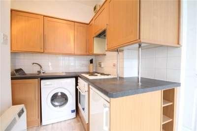 1 Bedroom Flat for rent in Main Street, Uddingston