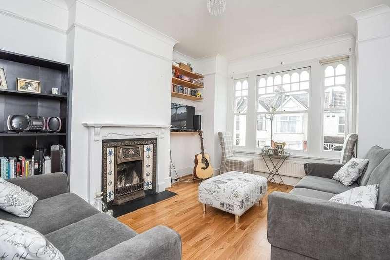 3 Bedrooms Maisonette Flat for sale in Heythorp Street, Southfields, SW18
