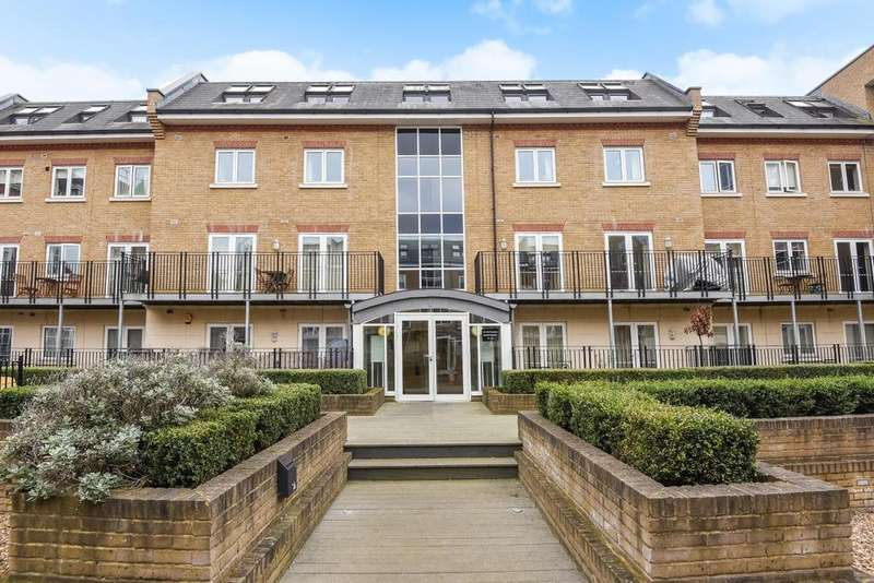 1 Bedroom Flat for sale in Voltaire Buildings, Garratt Lane, Earlsfield, SW18