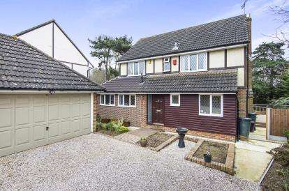 4 Bedrooms Detached House for sale in Essex, Billericay, Essex