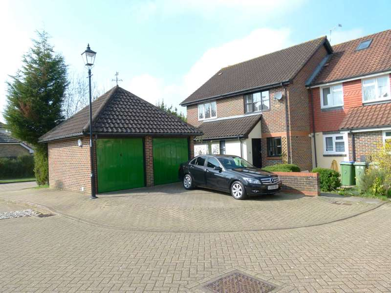 2 Bedrooms End Of Terrace House for sale in Shottermill, Horsham, RH12