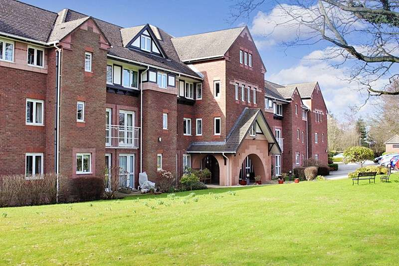 1 Bedroom Retirement Property for sale in Queen Anne Court, Wilmslow, SK9 1BY