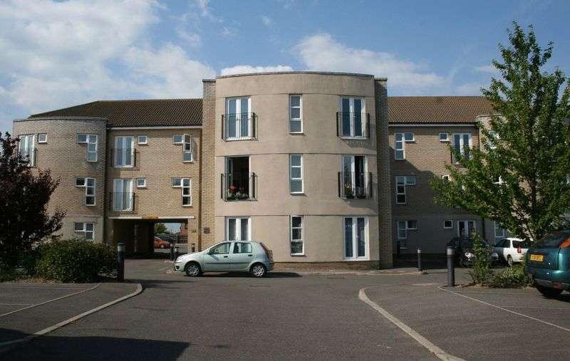 2 Bedrooms Flat for sale in Trafalgar Court, Red Barn Road, Brightlingsea