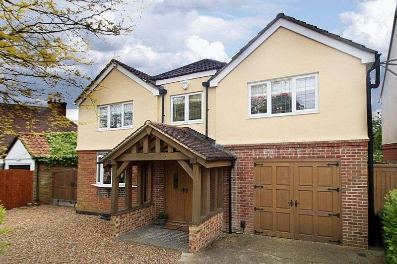 5 Bedrooms Detached House for sale in Fairfield Road, Epping