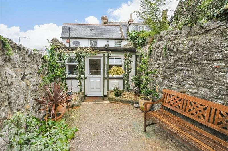 2 Bedrooms Cottage House for sale in Church Street, Kingsteignton