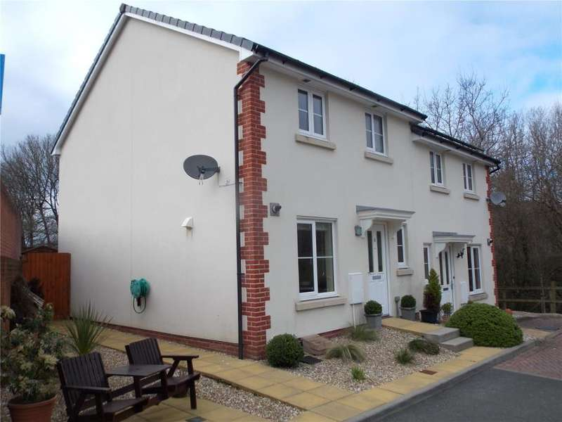 3 Bedrooms Semi Detached House for sale in Kensey Court, Launceston, Cornwall
