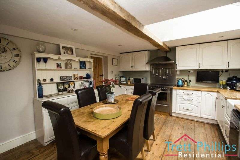 4 Bedrooms Cottage House for sale in The Green, Old Buckenham