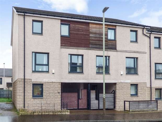 4 Bedrooms End Of Terrace House for sale in Brown Constable Street, Dundee