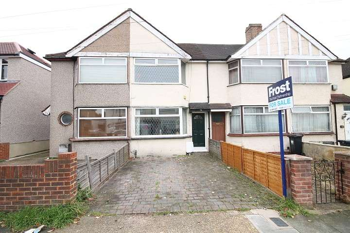 3 Bedrooms Terraced House for sale in Granville Avenue, Feltham, TW13