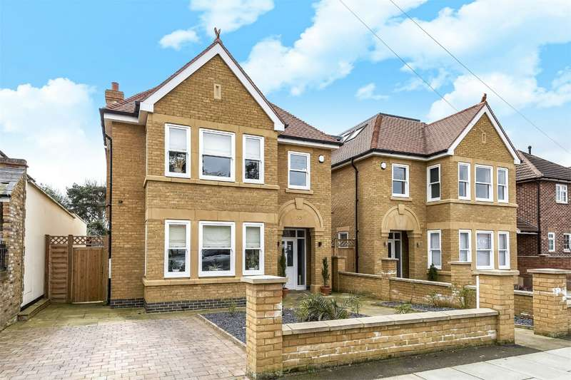 5 Bedrooms Detached House for sale in Blandford Road, Teddington, Middlesex